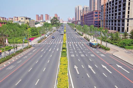 提升改造后的长春市东西主轴线街路成为又一张靓丽的名片。
