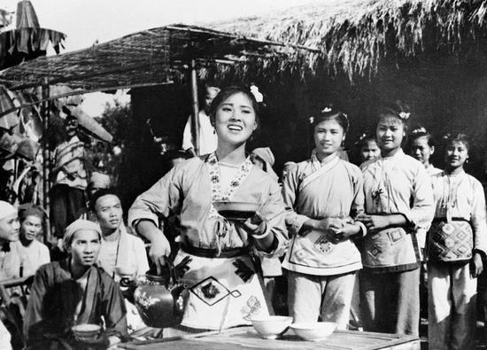 电影《刘三姐》剧照。(资料图片)