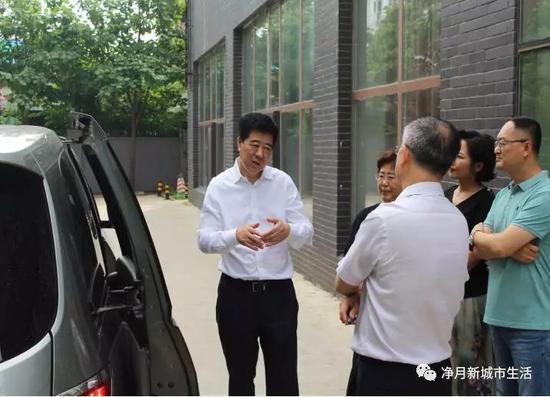 王铁茗主任对网格和垃圾分类工作提出意见