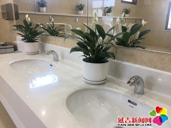 卫生间洗手台