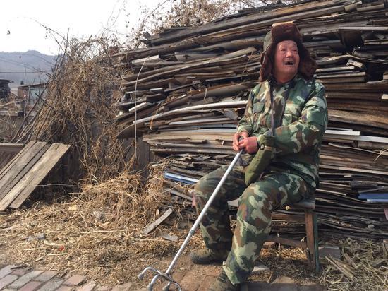 管庭有因患精神障碍,被中止审理。 新京报记者 赵凯迪 摄