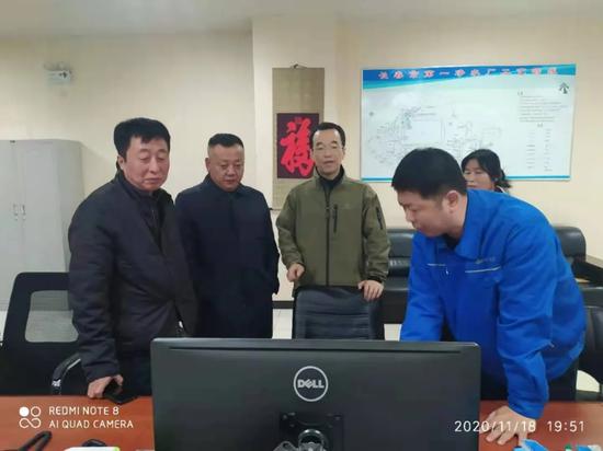 集团总工程师王沛才及建委供水处处长薛振伟第一时间到一水厂指挥恢复供水