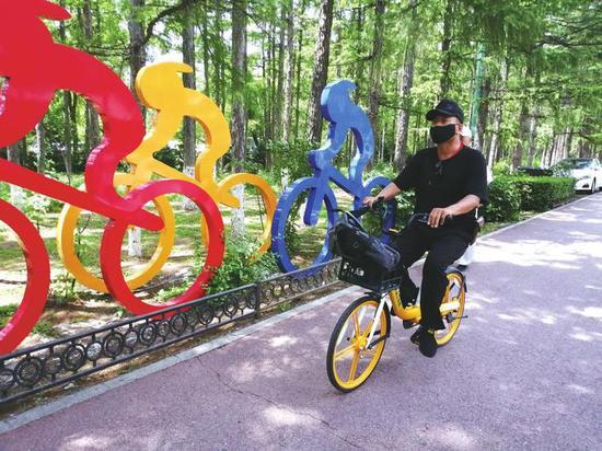 有市民反映,因找不到合适的共享单车停车点而被收取了费用