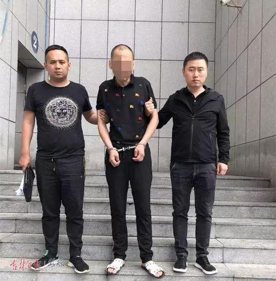 专案组民警将犯罪嫌疑人张某抓获