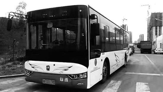 Z161路公交车全新上线。