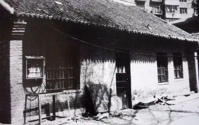 中共长春支部旧址,位于长春市解放大路1777号树勋小学校院内,原为吉林省立第二师范学校。