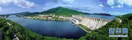 2007年拍摄的丰满水电站原大坝全景