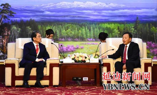 金寿浩会见韩国驻华大使卢英敏