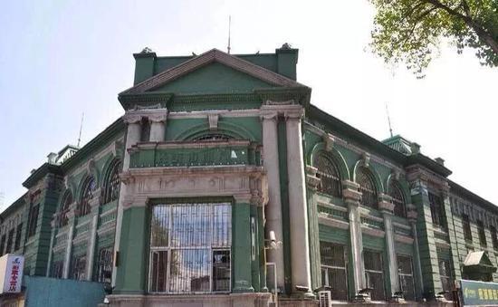 伪满新京邮政管理局旧址,现长春市邮政局。