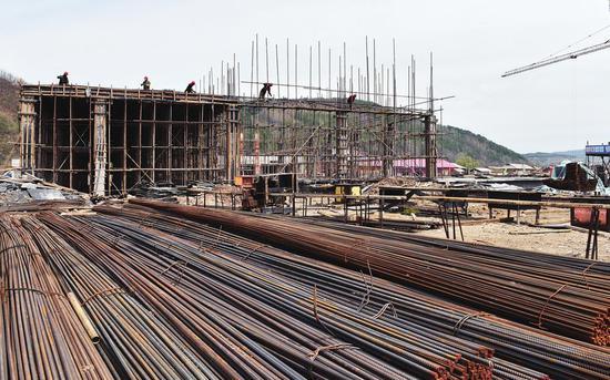 江源区石人污水处理厂项目施工现场。