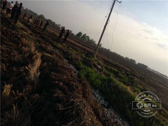 村民曾多次联系当地供电所要求维修 直到事发都没有修复