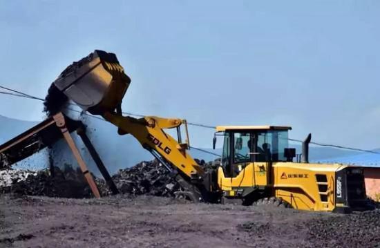 图:珲春东北虎自然保护区缓冲区内煤矿正在生产