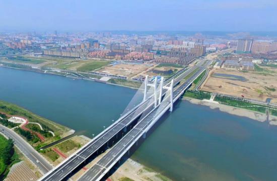 新珲春大桥