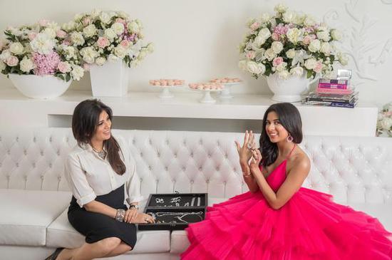 印度名媛Aria Mehta和珠宝设计师母亲Payal