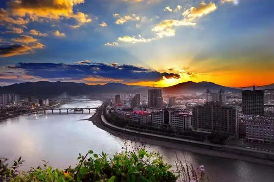 通化市区。本报记者张博宇通联