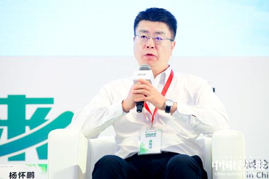 新华人寿保险公益基金会秘书长杨怀鹏