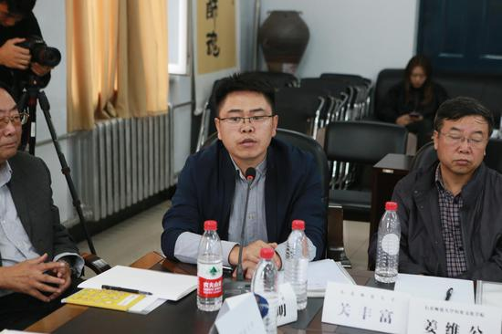 东北师范大学社科处副处长关丰富致辞。