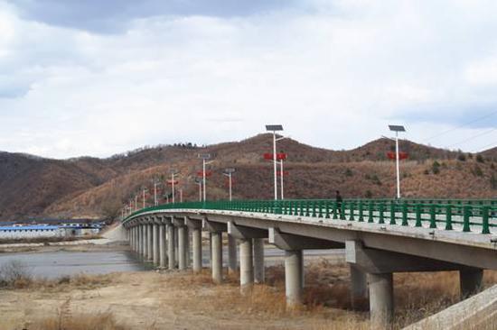 河北村新建的通村大桥