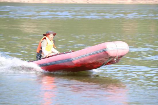 挂机式橡皮艇