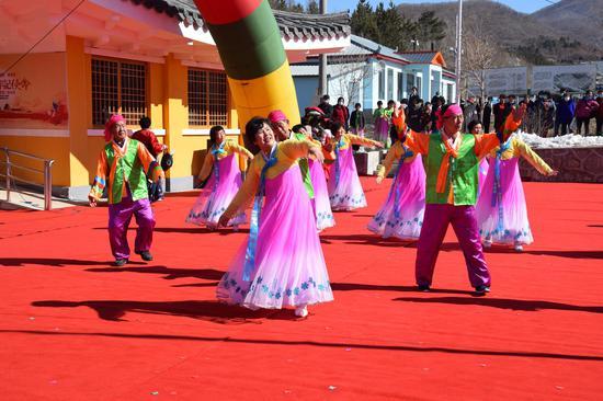 和龙市龙城镇朝鲜族民俗舞蹈表演