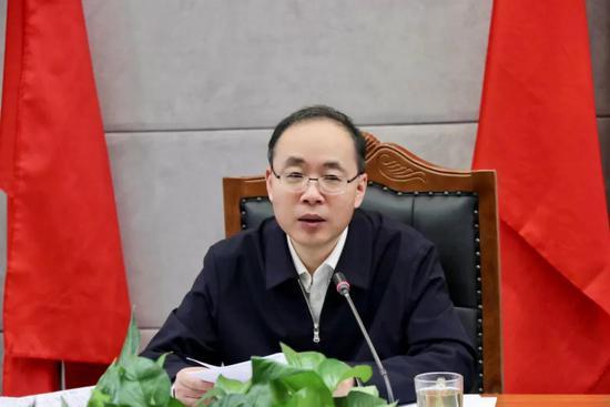吉林省检察院党组书记、检察长尹伊君主持会议