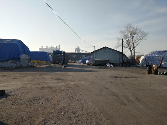 哈尔滨市双城区的化肥厂是周刚、孙海达等人被强迫劳动的最后一处工地。澎湃新闻记者 朱远祥 图