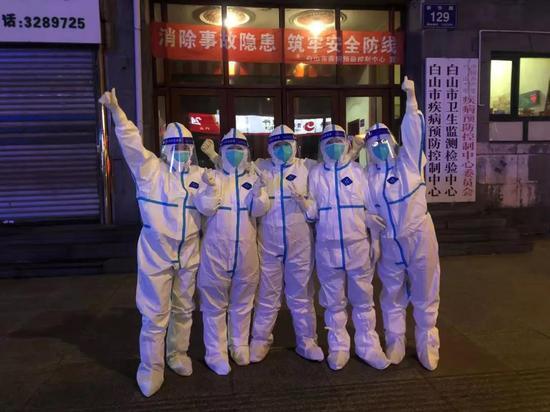 白山市抗疫关键词:凌晨的城市和结冰的手套