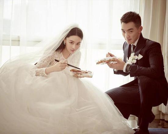 张馨予婚纱照