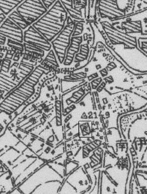 绘制于1931年的长春地图,图中标有南岭,此非南大营所在地的南岭。其东北方用黑框圈画的,为此处有佛寺的标志,应在今天东岭街北端,推测应是本报曾报道过的小南岭鬼王庙所在地,即当时的农神庙。 (杨洪友供图)