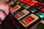 男子玩赌博机连输几百块 要求退钱反被捅成重伤