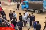 云南西畴县50多名中学生群殴 场面火爆