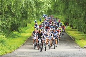 净月潭国际山地自行车马拉松。 资料图片
