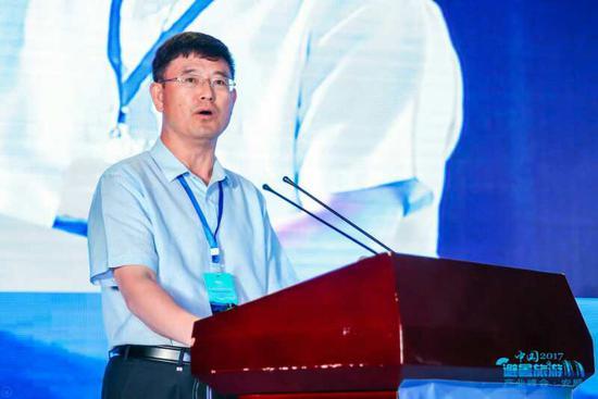 长春市政府副秘书长卢福建发表讲话