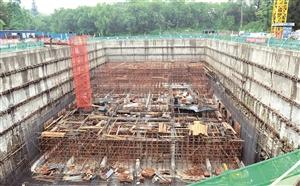 长春市首个地埋式污水处理厂——动植物公园污水处理厂正在施工。苑激刚 摄