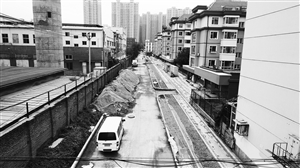 临河西街断头路本月底竣工,届时吉林大路可直通荣光路。张扬 摄