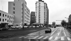 南岭街拓宽工程通车。张扬 摄