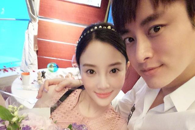李小璐再忙都得恋爱 台主持人:她都找爱她更多的