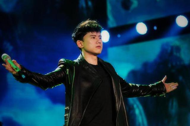 张杰跳舞视频被恶搞群嘲 工作室发声明谴责
