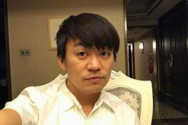 王宝强离婚案二审结束 律师与其商讨后续应对措施