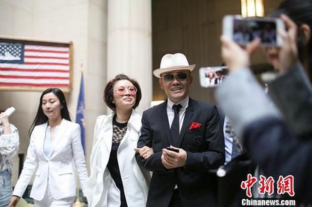华人律师起诉周立波诽谤 索赔1000万美元