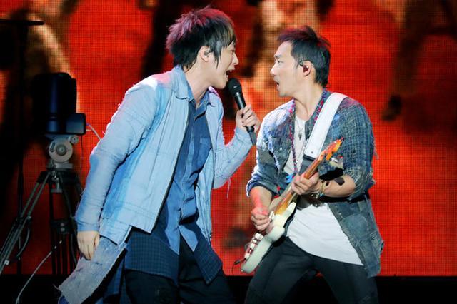《倔强》成世界杯唯一播放中文歌曲!五月天回应
