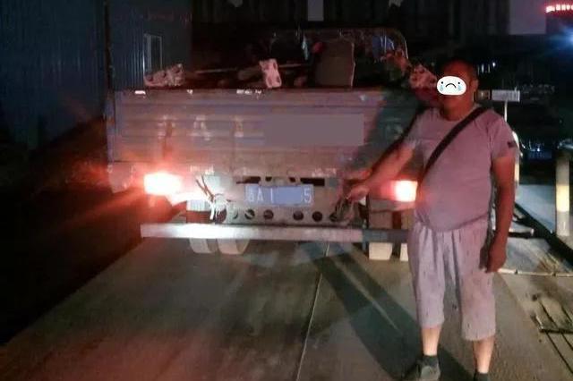 长春经开交警一周查处20余辆超载货车