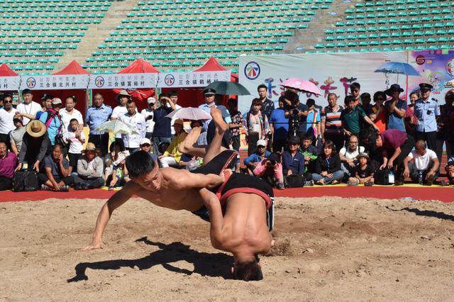 龙井市举行朝鲜族摔跤国际邀请赛