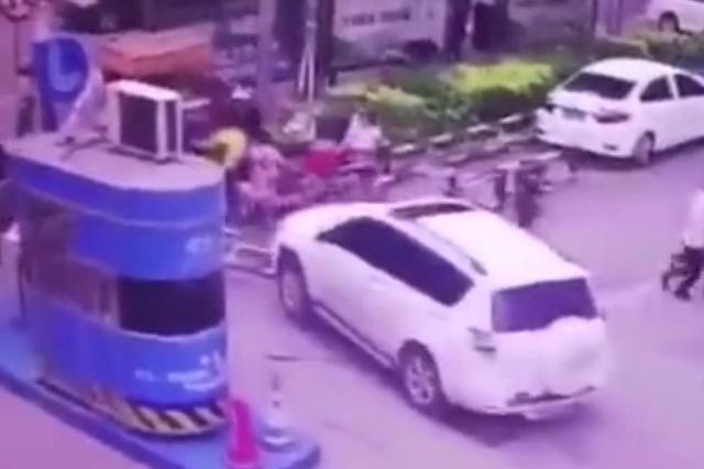 吉大一院停车场车辆伤人事故调查进展