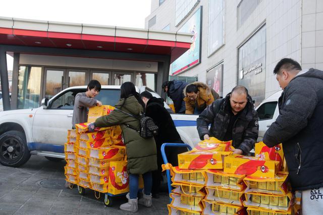 春节送温暖 新浪吉林深入长春市南关区慰问困难党员和群众