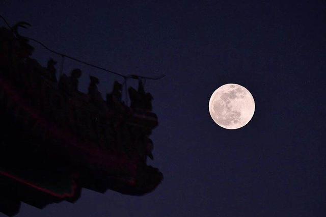 """元宵节遇上""""超级月亮"""" """"十五月亮十五圆"""""""