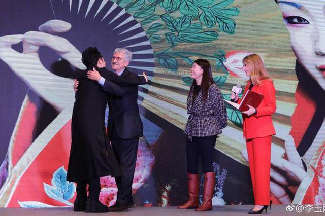 意大利前总理致信李玉刚 邀请演出《昭君出塞》
