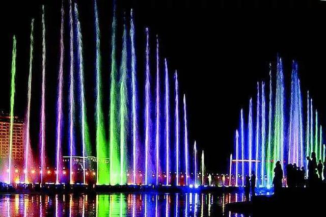 纵有喷泉千千万 吉林市的音乐喷泉那是相当好看