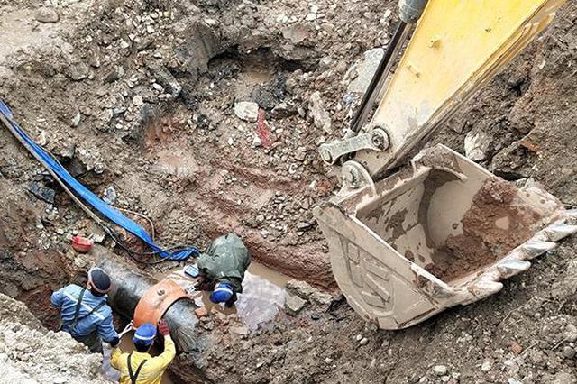 延吉一进水管线突发漏水 导致部分区域紧急停水