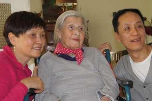 """冯远征母亲节悼念""""两位妈妈"""" 动情感谢养育恩情"""